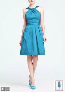 David's Bridal Blue Cotton Short Y-neck and Skirt Pleating Formal Bridesmaid/Mob Dress Size 12 (L)
