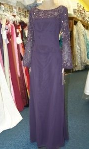 Purple Chiffon Caterina 5005 Plum Beaded Formal Bridesmaid/Mob Dress Size 10 (M)