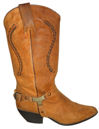 Preload https://item1.tradesy.com/images/maine-woods-tan-leather-western-bootsbooties-size-us-75-regular-m-b-4664335-0-0.jpg?width=440&height=440