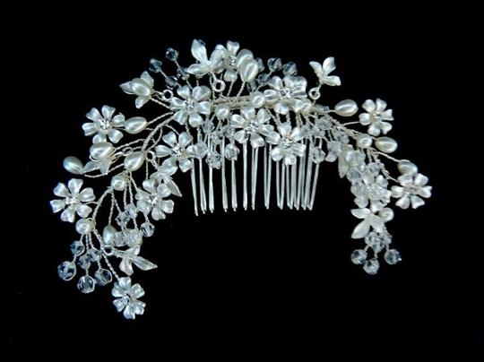 Preload https://item5.tradesy.com/images/silver-gold-wire-tiara-clip-crystal-wreath-wire-clip-twisted-wire-tiara-crystal-crown-crystal-tiara--4665409-0-0.jpg?width=440&height=440