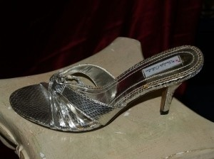 Dyeables Silver Lilly Metallic Sandals Snakeskin Heels Prom Formal Size US 8