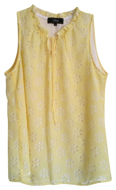 Item - Yellow Floral Cut-out Blouse Size 8 (M)