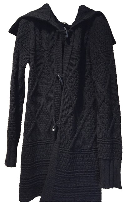 Preload https://item5.tradesy.com/images/massimo-dutti-black-cape-4666249-0-0.jpg?width=400&height=650