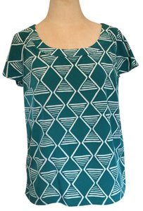Old Navy Aztec Tribal Top Green and white