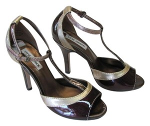 Steve Madden New Excellent Condition Size 8.00 gold, bronze/brown Sandals