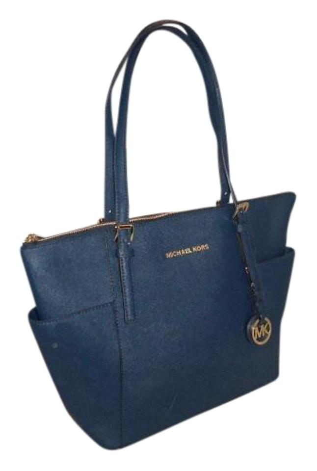 edf4e4e3be08 Michael Kors W Jet Set Item E / Top Zip Navy Blue Saffiano Leather Tote