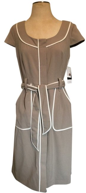 Preload https://item4.tradesy.com/images/sandra-darren-beige-and-white-piping-workwear-wear-structured-knee-length-workoffice-dress-size-10-m-4670203-0-0.jpg?width=400&height=650