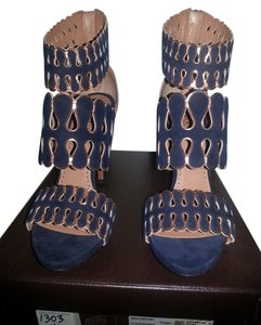 ALAÏA Alaia Cutout Addeline Suede True Fit indigo/cuivre Sandals