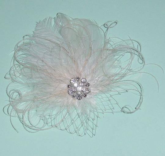 Ivory/ Feather Fascinator Hair Accessory