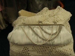 A Bridal White Clutch Bag Modern Chains Pearls Purse Handbag
