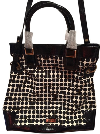 Preload https://item5.tradesy.com/images/kate-spade-cross-body-bag-black-and-ivory-fabric-with-black-patent-trim-4674514-0-0.jpg?width=440&height=440