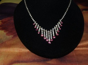 Gorgeous Silver And Pink Rhinestones Necklace & Ea