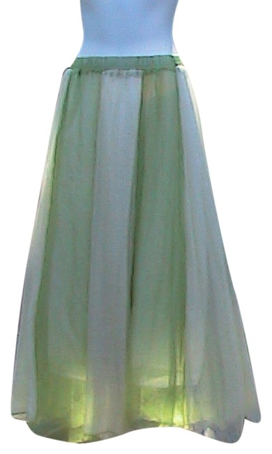 Preload https://item1.tradesy.com/images/chiffon-summer-maxi-skirt-size-os-one-size-4680355-0-0.jpg?width=400&height=650
