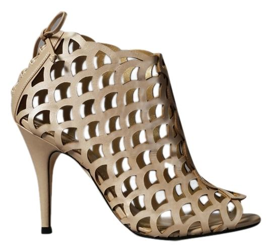 Preload https://item3.tradesy.com/images/klub-nico-nude-chain-link-heels-formal-shoes-size-us-6-regular-m-b-4680907-0-0.jpg?width=440&height=440