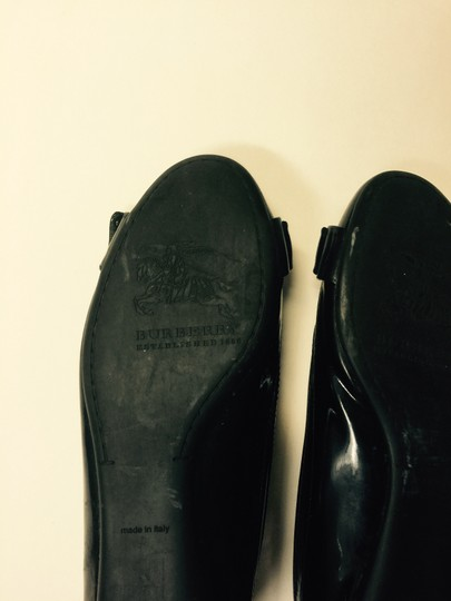 Burberry Black Flats