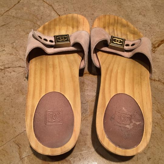 Chanel natural wood with beige suede Mules