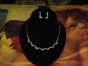 A Necklace And Earrings Set Austrian Crystals Rb13