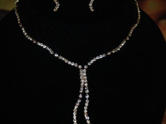 A Gold Tone Bridal Necklace & Earrings Set Rb15