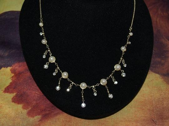 A Silver Tone With White Pearls Necklace & Matchin