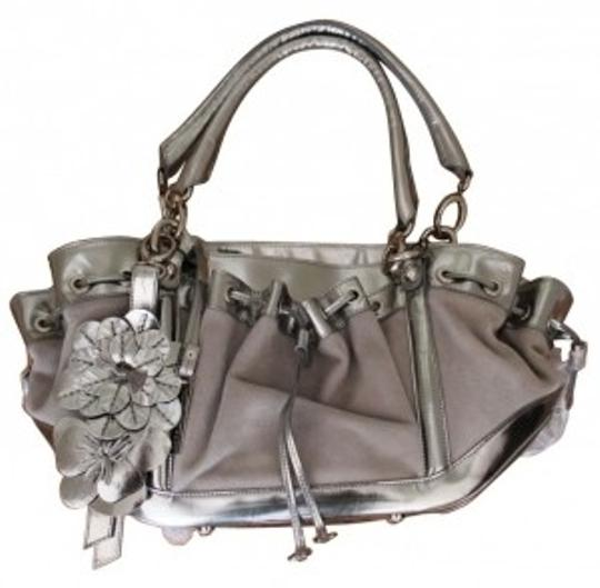 Preload https://item2.tradesy.com/images/peter-nygard-silver-and-gray-leather-shoulder-bag-4686-0-0.jpg?width=440&height=440