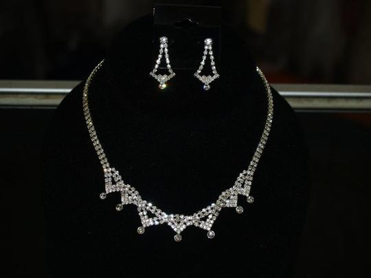 Austrian Crystals Necklace & Matching Earrings Set