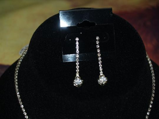 Silver/Silver Crystals Matching Earrings Set Rb9 Necklace
