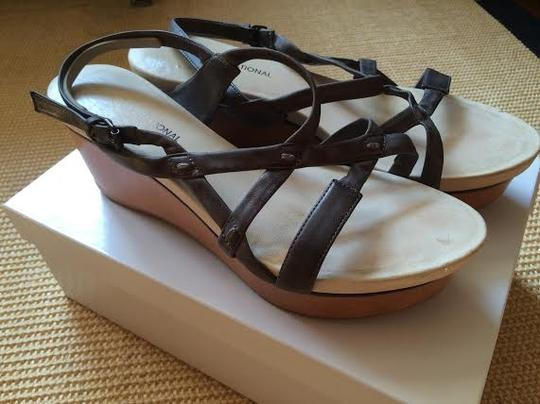 Cosutme National Leather Grey Wedges