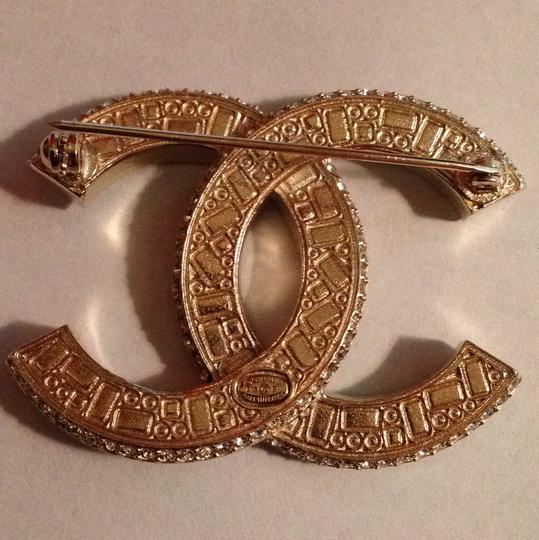 Chanel New with Tag 15B Chanel swarovski crystal gold black brooch