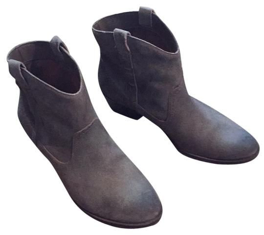 Preload https://item5.tradesy.com/images/kenneth-cole-reaction-bootsbooties-size-us-85-regular-m-b-4698859-0-0.jpg?width=440&height=440