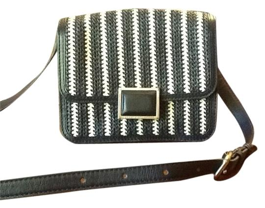 Preload https://item3.tradesy.com/images/marc-by-marc-jacobs-navy-blue-and-white-cross-body-bag-4699672-0-0.jpg?width=440&height=440