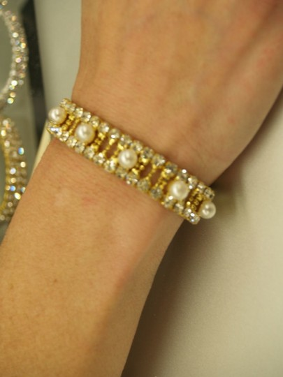 White/Yellow Gold Tone Pearls Rhinestones B15 Bracelet