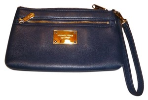 Michael Kors 2 Zipper Openings Wristlet in Navy