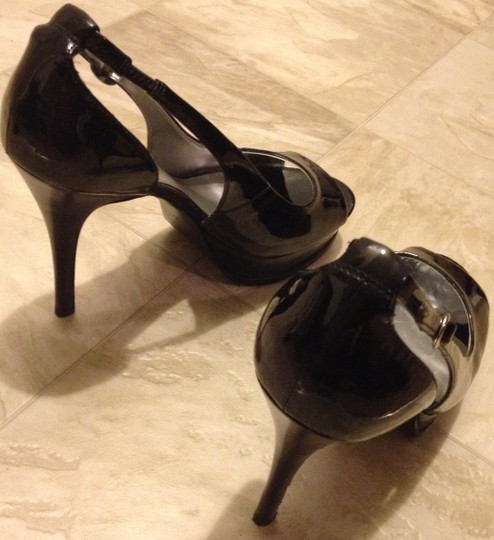 Guess Black patent leather Platforms