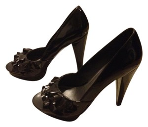Steve Madden Ruffles Across Foot Black patent leather Platforms