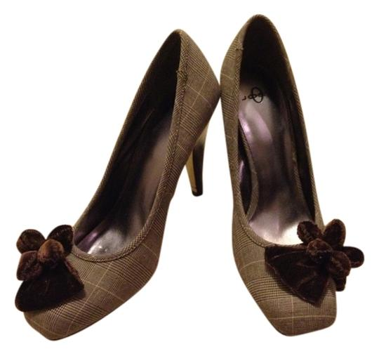 Joey O Plaid Fabric Wooden Heel Cream, brown, and black Pumps