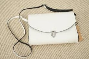 The Cambridge Satchel Company Summer Style Classic Leather Exclusive Rachelzoe Trendy Chic Sleek Classic Cross Body Bag