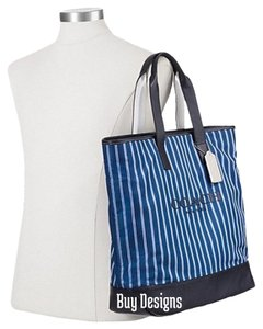 Coach Tote in Navy Blue Cream