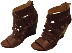 Nine West Zipper Back Wood Wedge Heels Brown Wedges