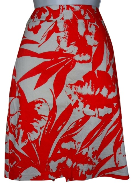 Preload https://item5.tradesy.com/images/new-york-and-company-stretch-beach-print-miniskirt-coral-4714804-0-0.jpg?width=400&height=650
