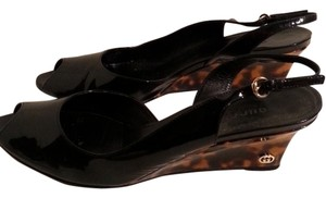 Gucci Tortiouse Sale! Pamela F On Tradesy Black Wedges