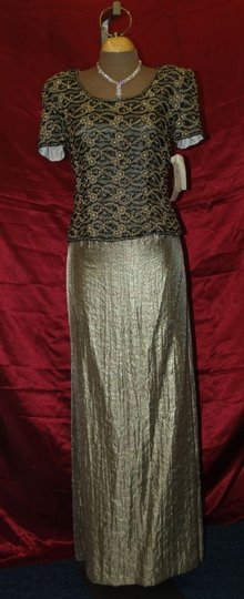 Adrianna Papell Gold Shell Silk Lining Polyester Top and Skirt Formal Bridesmaid/Mob Dress Size 10 (M)