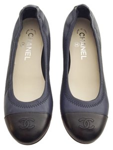 Chanel Navy Black Flats