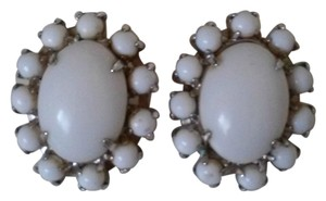 Beautiful Vintage Milk Glass Clip On Earrings