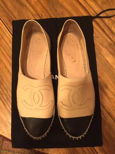 Chanel Tan and Black Flats