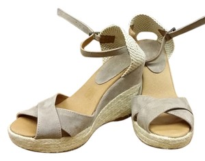 Pima 2 Tan Wedges