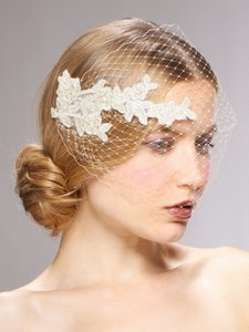 Mariell Champagne Birdcage French Netting Bandeau with Vintage Lace 3911v Bridal Veil