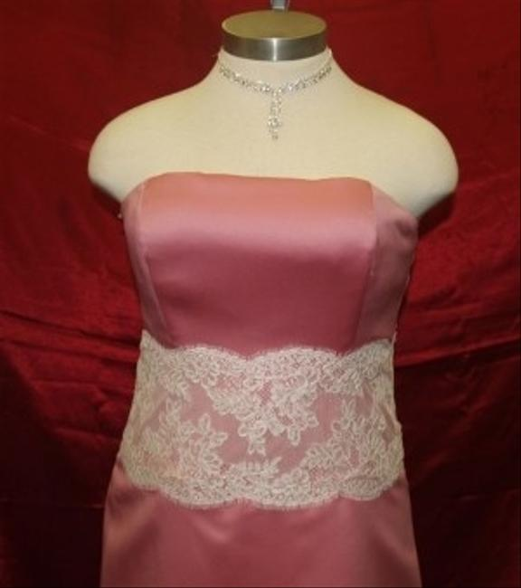 Item - Rose Pink Satin Rose/Ivory A78117 Feminine Bridesmaid/Mob Dress Size 14 (L)