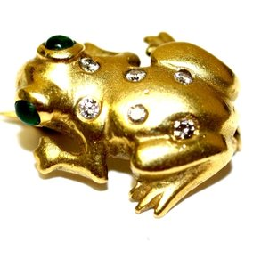 Doll & Frog Yellow Lucky Diamond Brooch/Pin