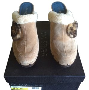 Via Spiga Never Worn! Sand/beige Mules