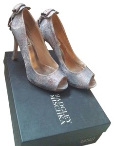 Badgley Mischka Pink metallic Pumps